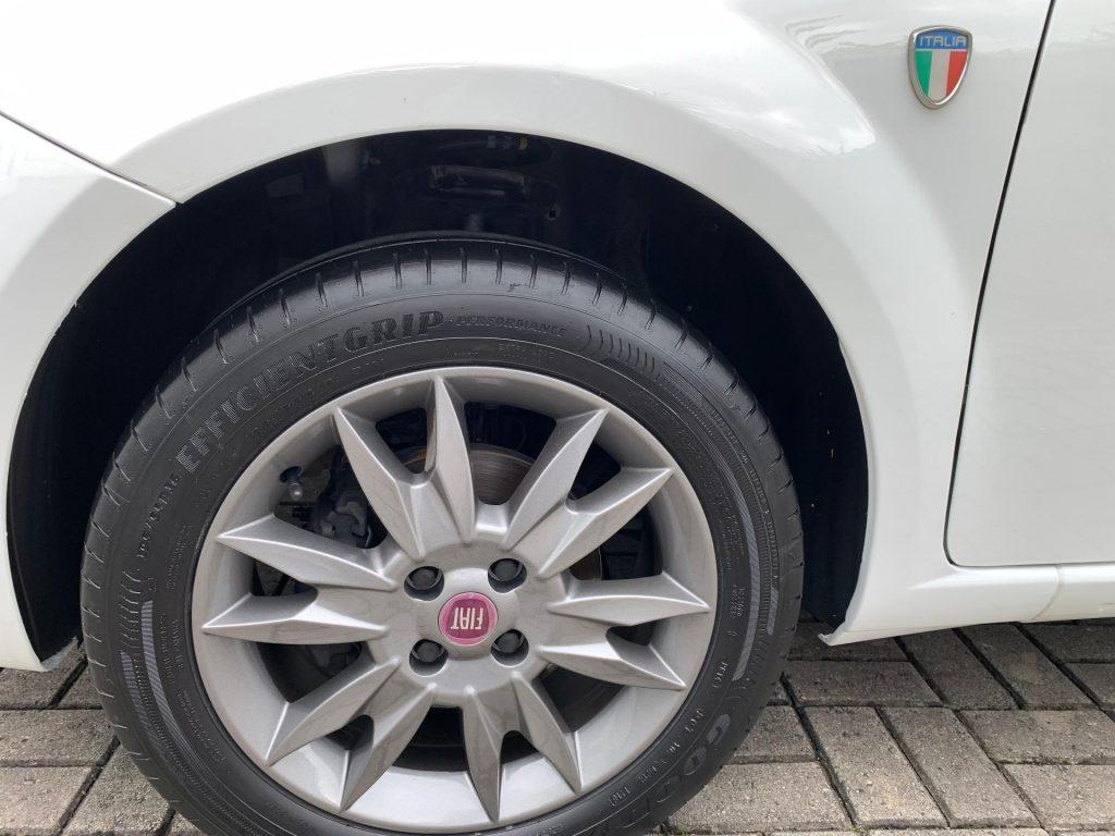 Fiat Punto 1.4 ATTRACTIVE ITALIA  2012